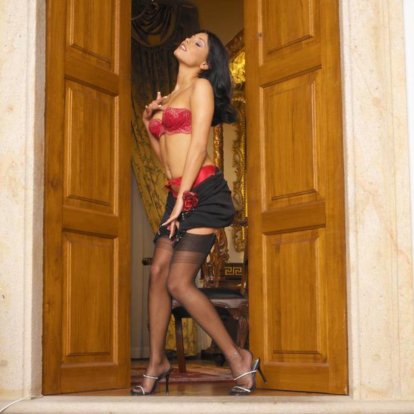 Apologise, Anetta keys sexy skirt