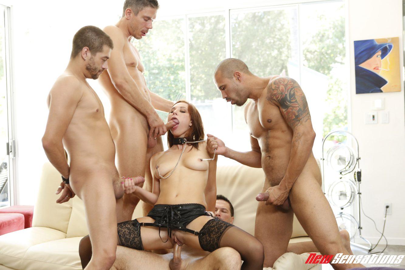 кивнул подошёл три мужика трахают молодую шлюху в чулках удовольствием
