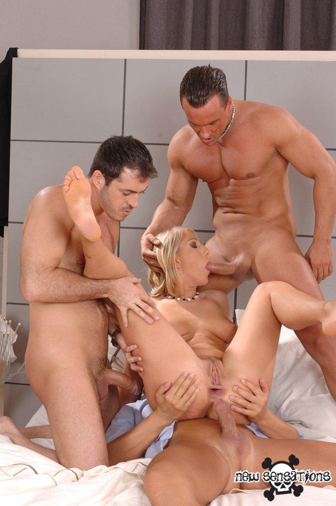 Секс с 3 людьми