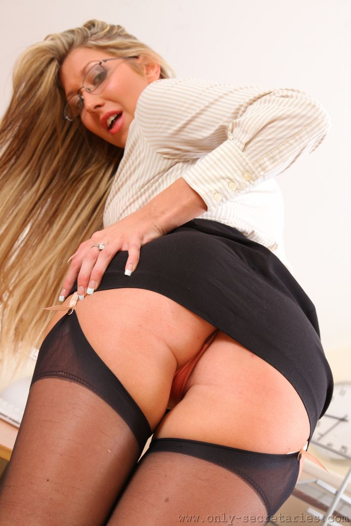 Only secretaries free galleries